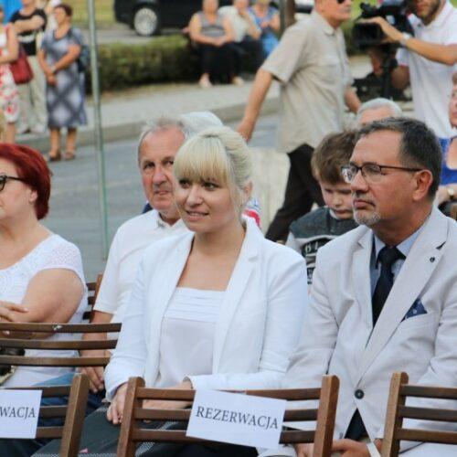 Iwona Długoń i prof. Kazimierz Karolczak